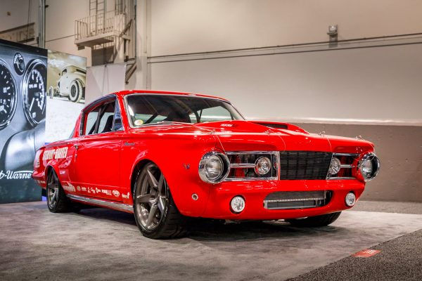 1965 Barracuda with a 7.0 L Hemi V8