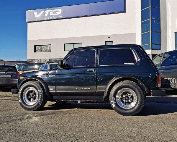 4WD Lada Niva with a Turbo LSx V8