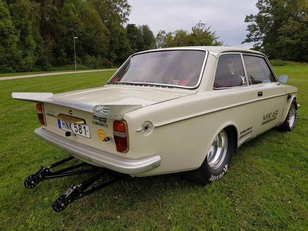 1975 Volvo 242 with a turbo B230 inline-four