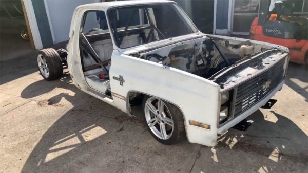 1986 Chevy Truck with a Mid-Engine Twin-Turbo LSx V8