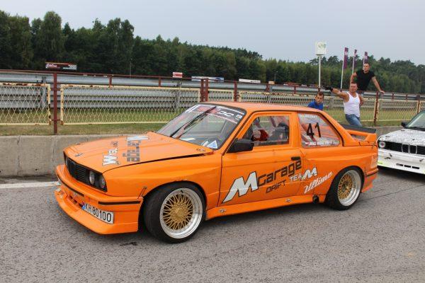 BMW E30 with a 454 ci LSX V8