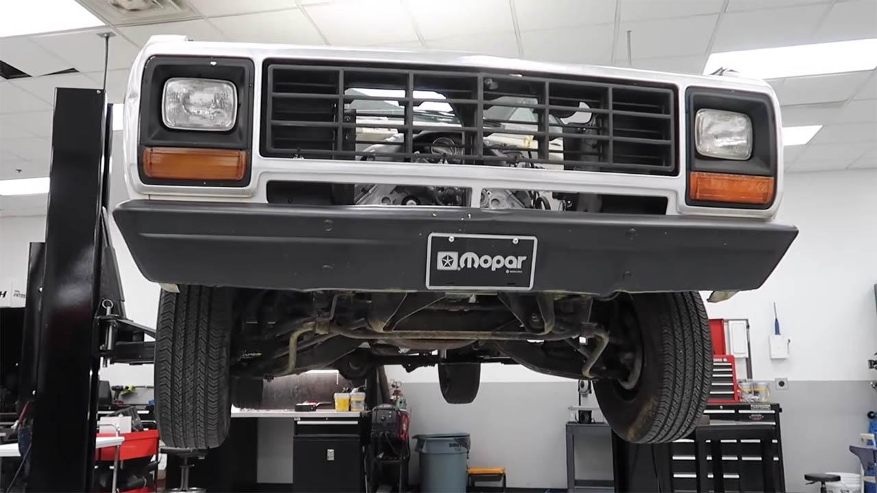 1981 Dodge D150 with a 5.7 L Hemi V8