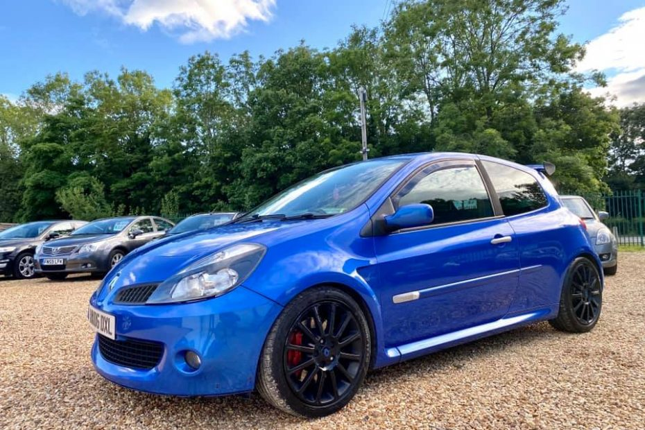 2006 Renault Clio Sport with a Megane Turbo 2.0 L Inline-Four