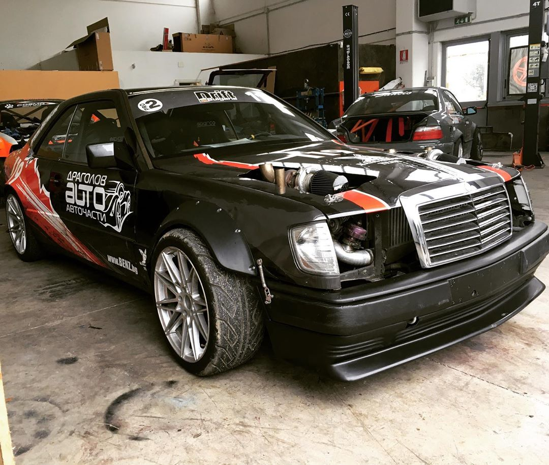Mercedes W124 with a Twin-Turbo M119 V8