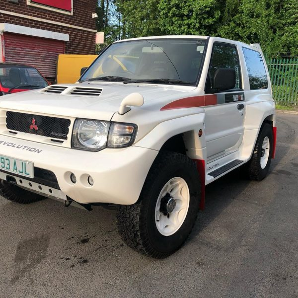 Mitsubishi Pajero Evo with a Twin-Turbo V8