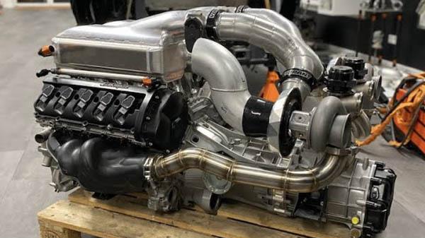 Twin-Turbo Lamborghini V10