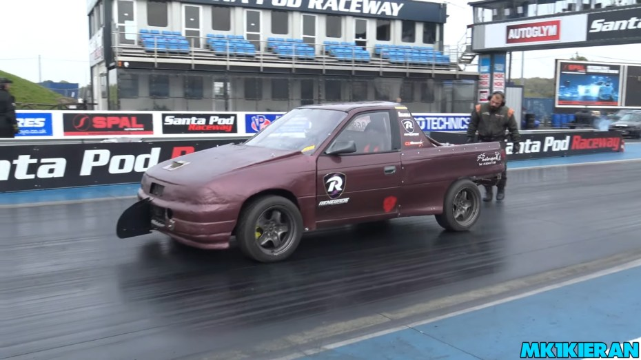 Vauxhall Astra with two turbocharged Saab inline-four motors