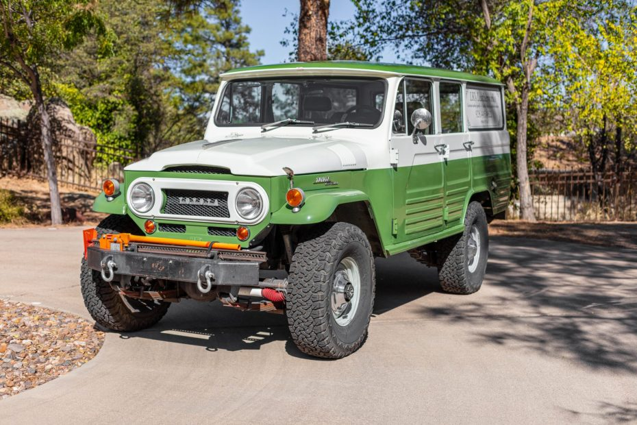 1967 Toyota Land Cruiser FJ45LV with a 6.0 L L96 V8