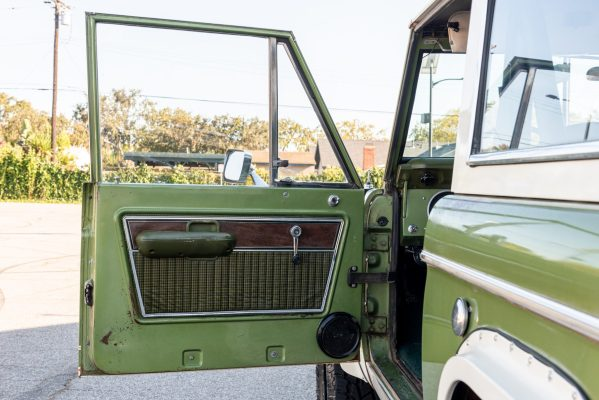 1975 Bronco with a Coyote V8