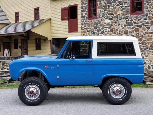 1976 Bronco with an International Harvestor 7.3 L diesel V8