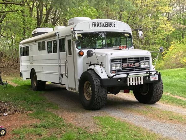 4WD 1968 GMC school bus with a 454 Chevy V8