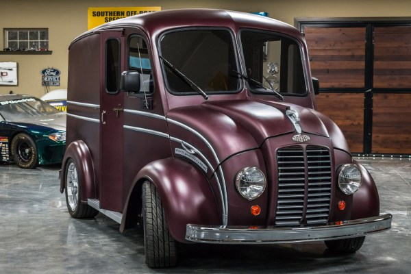 1955 Divco truck with a 5.7 L Hemi V8 and Ram 4WD chassis