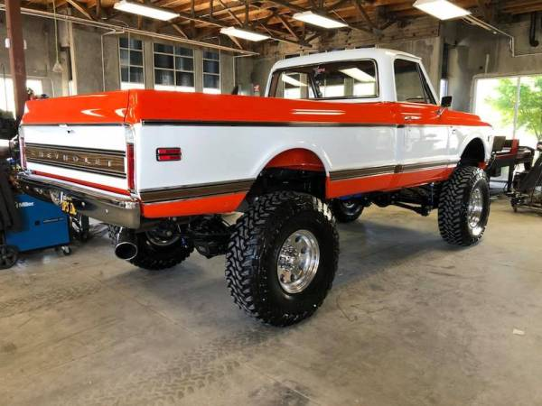 1969 Chevy Truck with a 800 hp Turbo 5.9 L Cummins Inline-Six