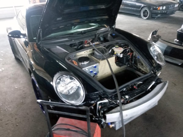 AWD Porsche 997 with a turbo 4G63 inline-four