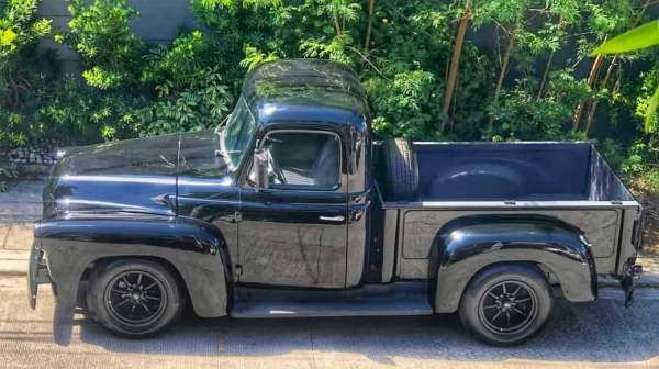 1956 International Harvester truck with a Toyota 1KZ-TE turbo diesel inline-four