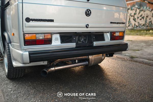 1982 VW Transporter with a Porsche 3.0 L flat-six