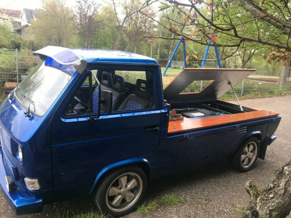 VW T3 with a Mid-Engine Audi V8