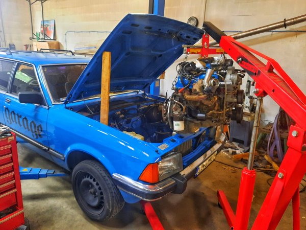 Ford Granada with a Twin-Turbo 4.0 L V6